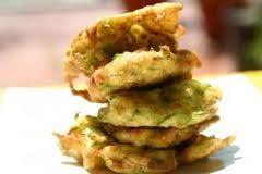 food,frittelle di zucchine,frittelle,ingredienti,ricette,zucchine