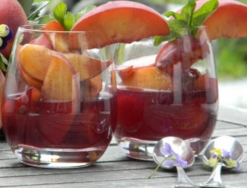 dolci,ricette,cucina,pesche al vino,vino rosso,pesche,pesche al vino,pesche dolci