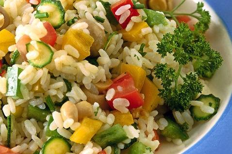 insalata di riso,cucina,insalate,ricette riso,ricette insalata di riso,verdure,ricette verdure,ricette,piatto estivo