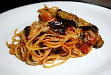 ricette, cucina, primi piatti, pasta, pomodorini, ricette melanzane, pasta con le melanzane, spaghetti melanzane